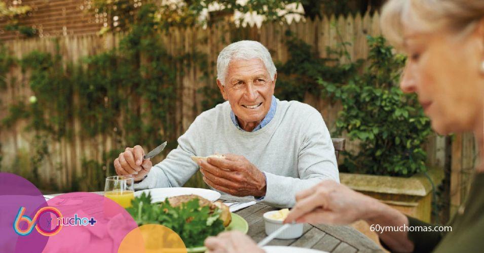 3. Consejos alimentacion saludable senior 60 y mucho+-01